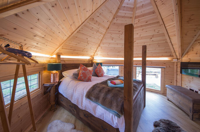 Glamping Lodge luxury Bedroom Camping Cabins - arctic