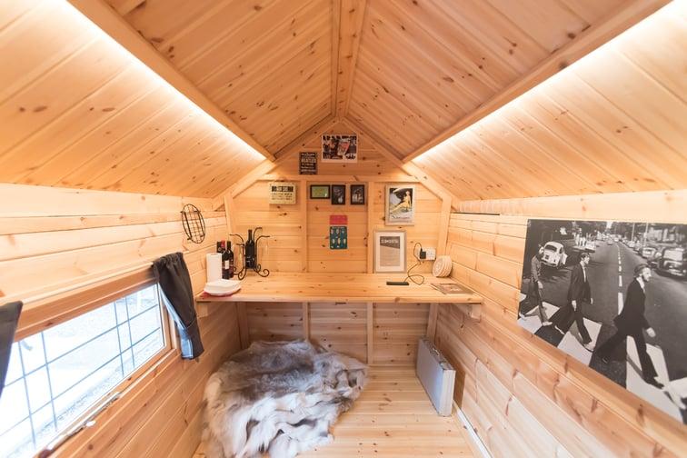 arctic-cabins-garden-office-building